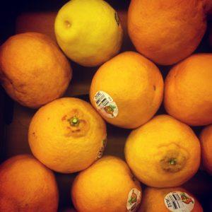 Lemon among oranges as metaphor