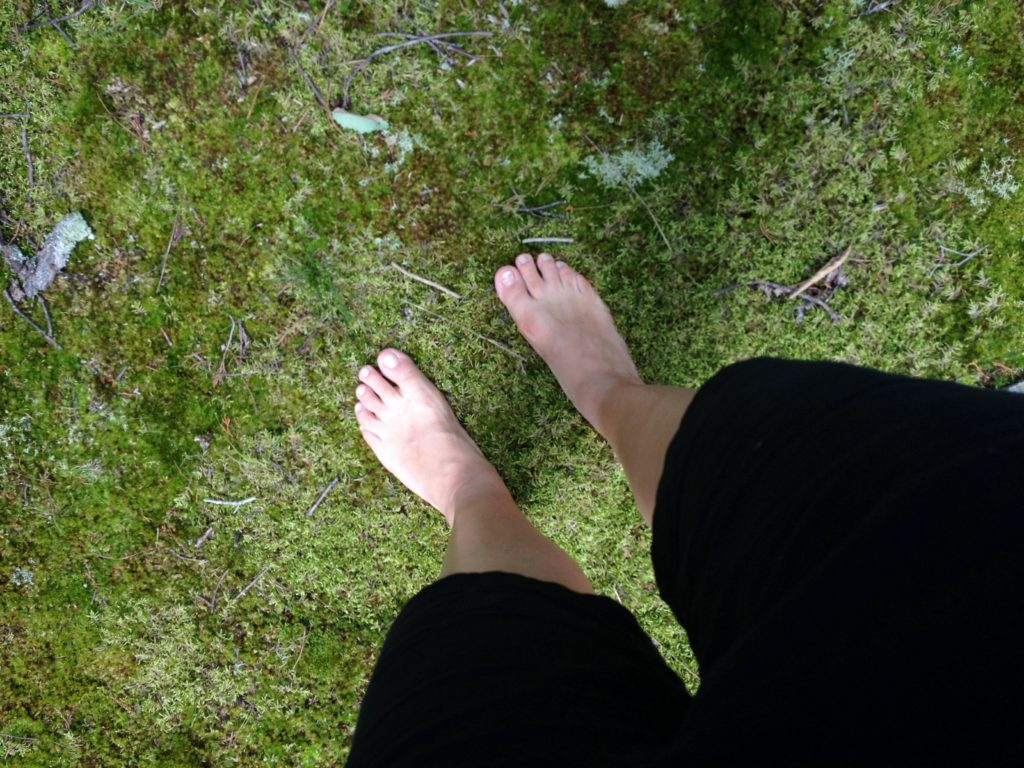 barefoot health benefits are many